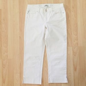 WHBM white denim noir ankle jeans size 4